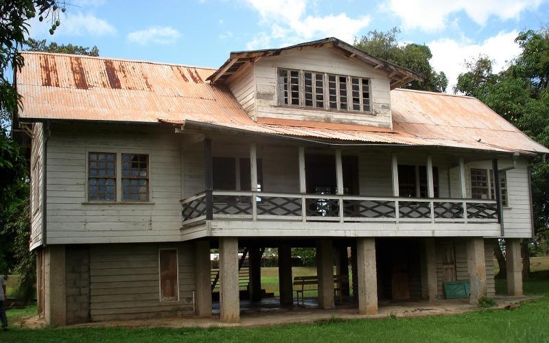 Suriname_begin